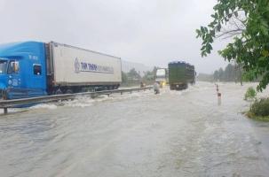 Thừa Thiên- Huế: Nước lũ lên nhanh thủy điện tăng mức xả nước